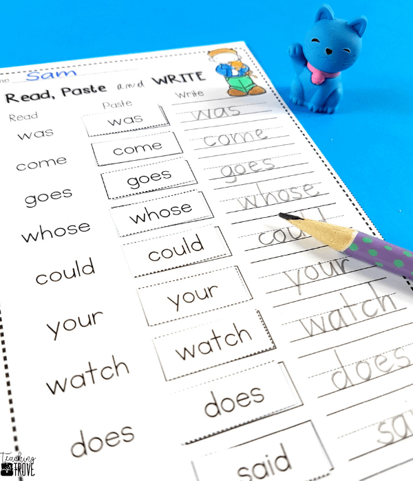 Sight word activities that are editable are perfect for creating fun centers or stations for your kindergarten or first grade students. With 38 different themes in this pack, you will have a wide range of sight word, phonics, spelling or word work games, worksheets and playdough mats you can create in seconds! Use the included assessment sheets to monitor the progress of your students. Easily create a differentiated program in your classroom. #sightwords #editablesightwords